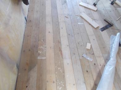 hut floor 2