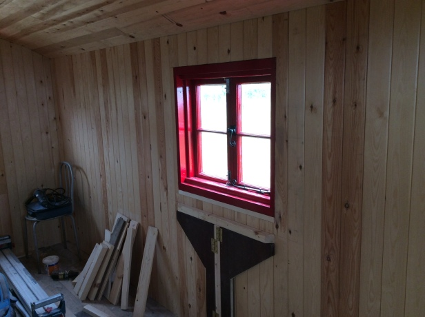 table supports under side window